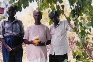 Fiji, VL, Krishna Peace Vase 2b, people